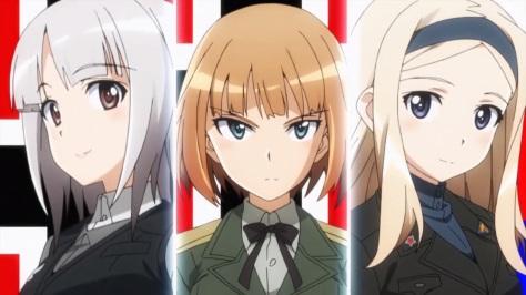 Links und rechts praktisch die einzigen cuten Mädchen in diesem Anime.